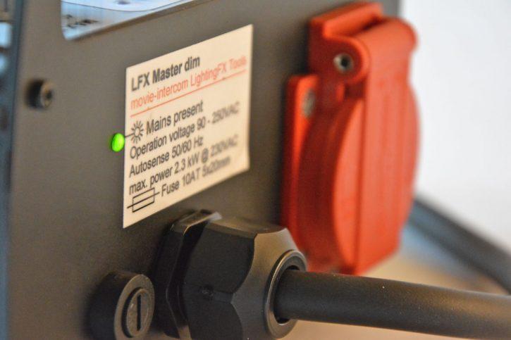 LFX Master dim flickerbox power outlet