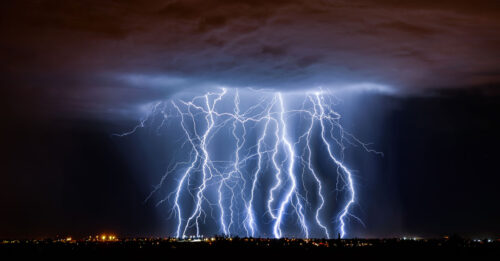 Lightning effect with HMIs or LED: LFXHub flicker box + Lighting upgrade